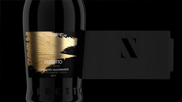 unveil of the label of a zardetto prosecco